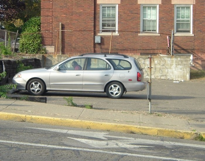 90s-Hyundai-Sonata-wagon