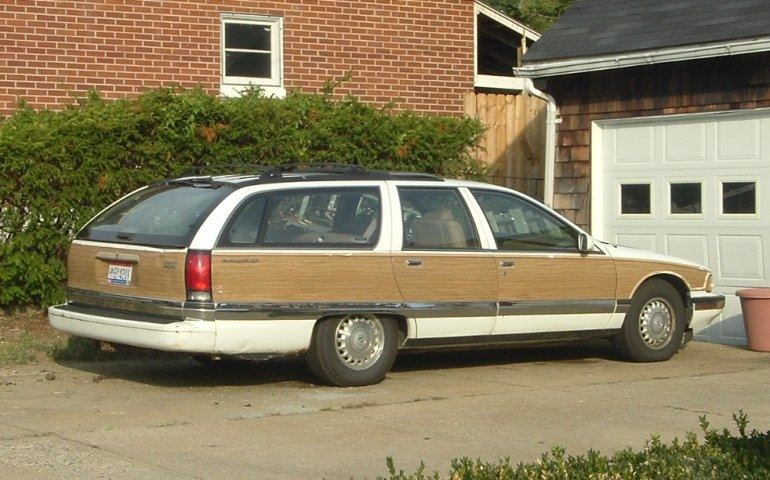 90s-woodgrain-GMC-wagon