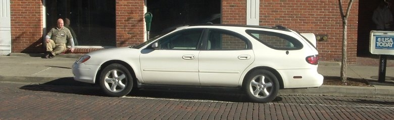 Ford-Taurus-wagon
