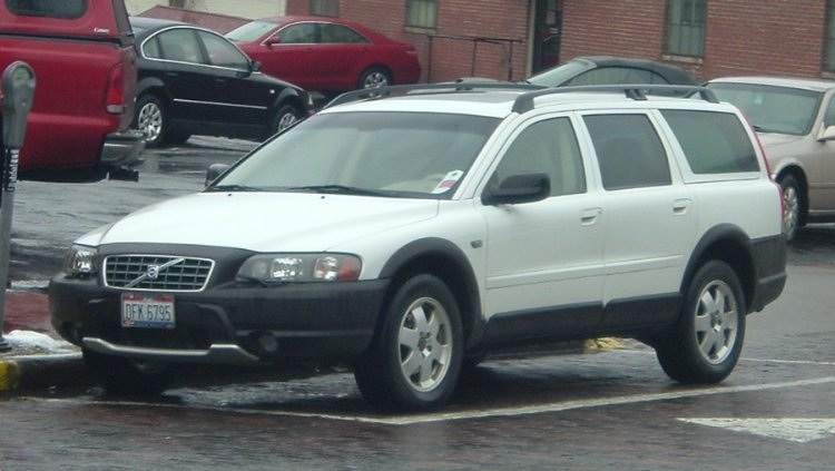 Volvo-Cross-County-wagon