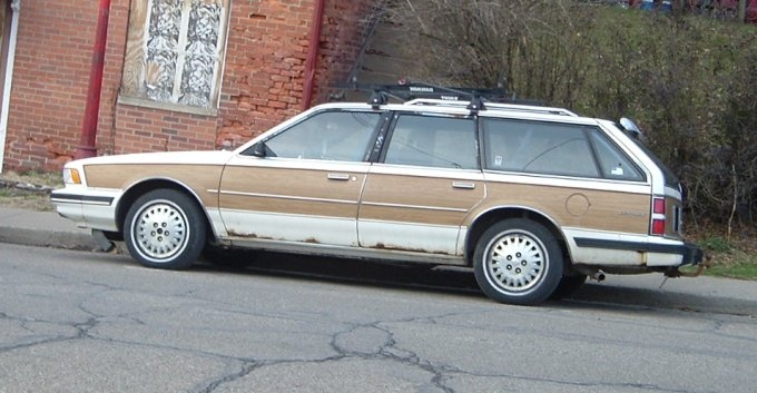 White-80s-Pontiac-wagon