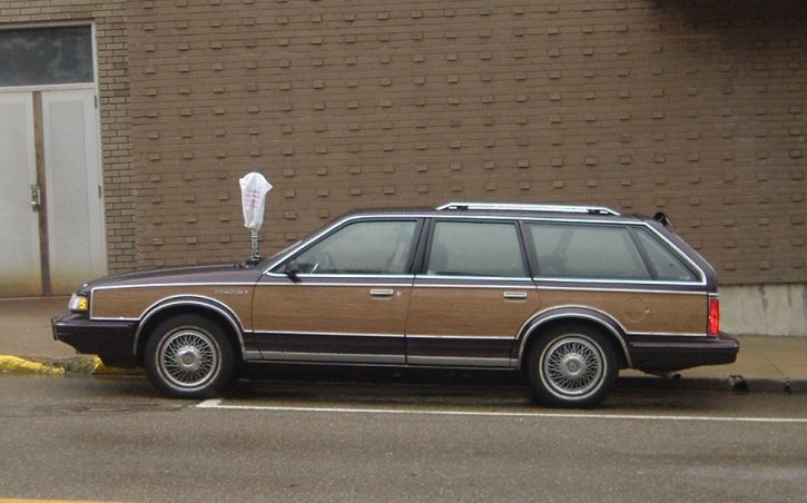 Wood-Grain-GMC-wagon