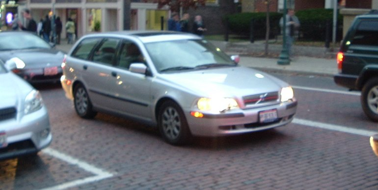 newer_volvo_wagon