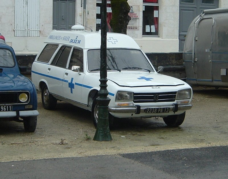 old_peugeot_ambulance